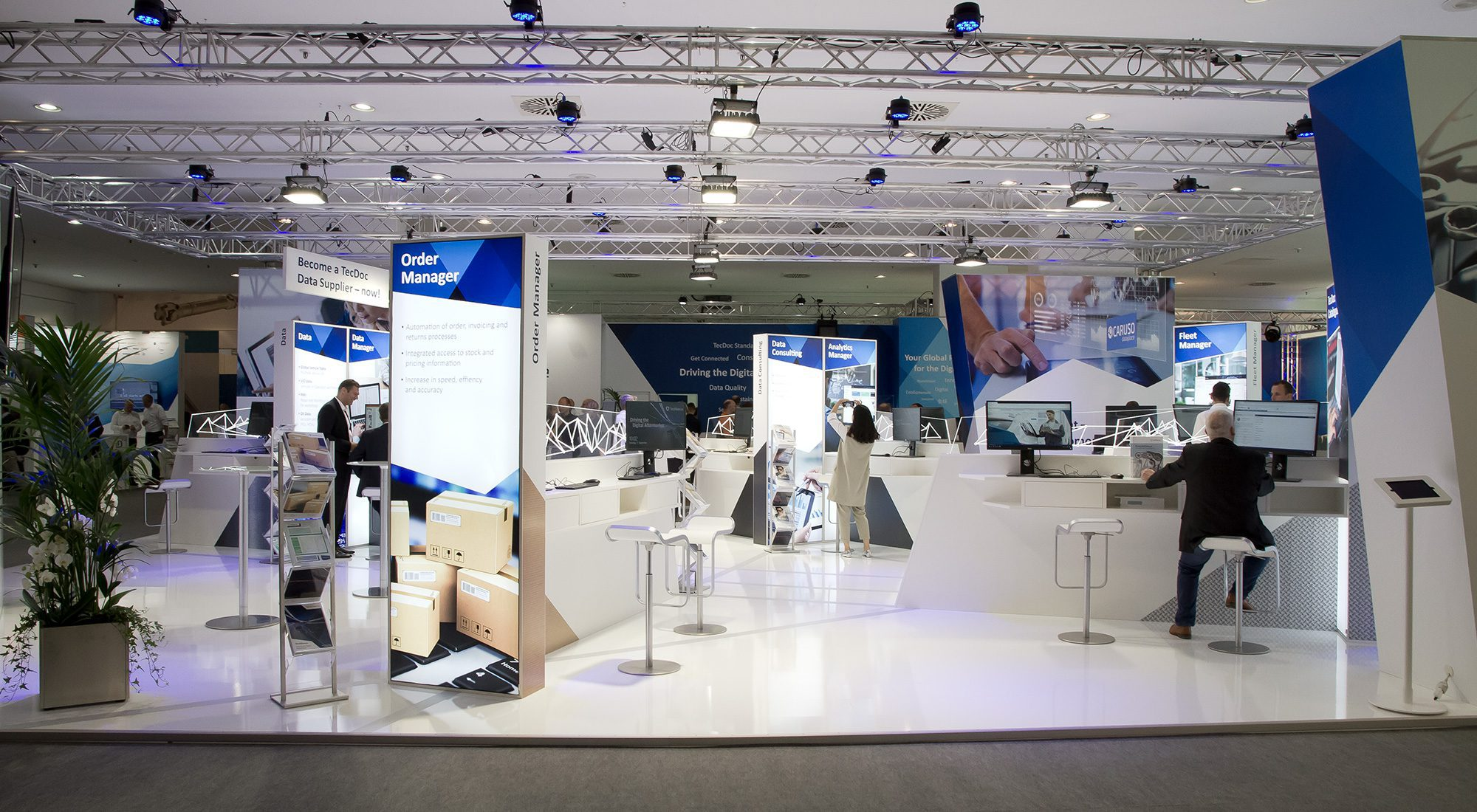 "Redesign und Messestand ""TecAlliance"" 51"